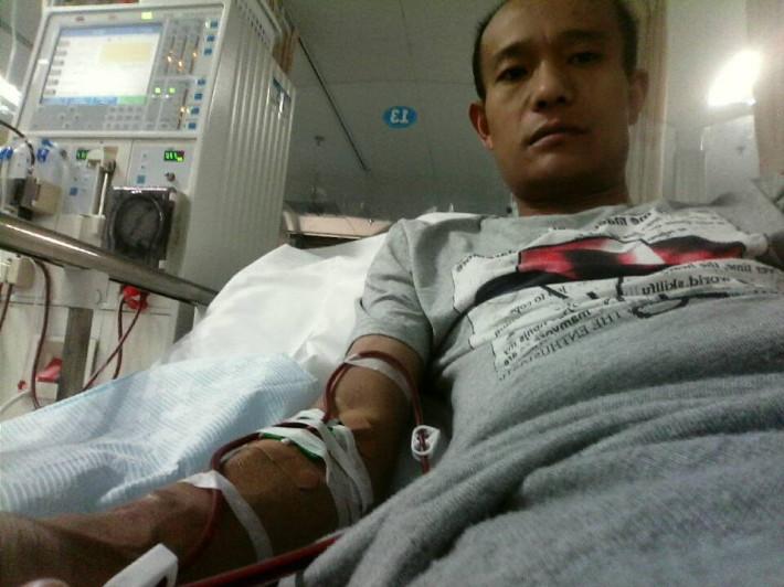 我是患者陈跃的妹妹因为哥哥现在一直在医院身体情况很不好爸妈又